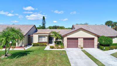 Royal Palm Beach Townhouse For Sale: 128 Village Walk Drive