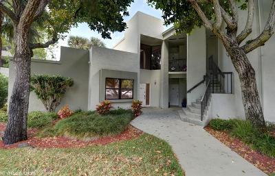 Boca Raton Townhouse For Sale: 6417 La Costa Drive #101