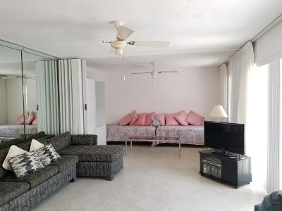 Royal Palm Beach Condo For Sale: 95 East Court