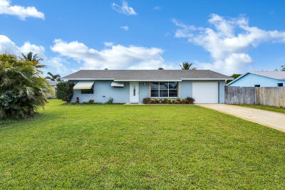 Hobe Sound Single Family Home Contingent: 8734 SE Keathley Court