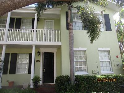 Delray Beach Townhouse For Sale: 1023 W Heritage Club Circle #1023