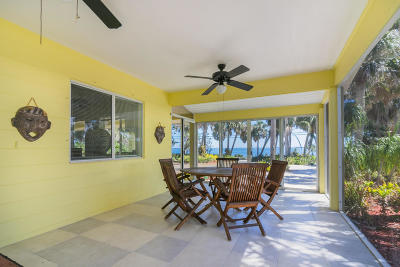 Fort Pierce Single Family Home For Sale: 10907 S Indian River Drive