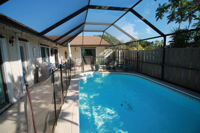 Palm Beach Gardens Townhouse Contingent: 5312 Eagle Lake Drive