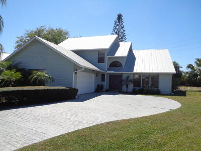Hobe Sound Single Family Home For Sale: 10720 SE Jupiter Narrows Drive