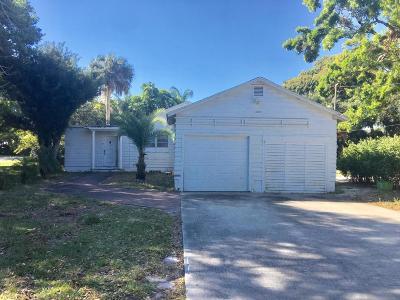 Fort Pierce Single Family Home For Sale: 3037 Sunrise Boulevard