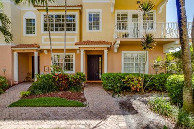 Boynton Beach Townhouse For Sale: 138 Harbors Way