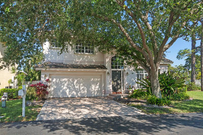 Pompano Beach Single Family Home For Sale: 210 Palm Desert Lane