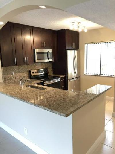 Boca Raton Condo For Sale: 6585 Somerset Drive #105