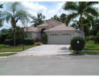 Wellington Single Family Home For Sale: 11356 Coralwood Court