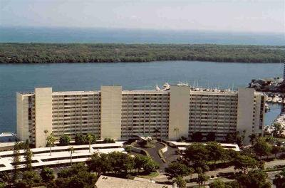 North Palm Beach Condo For Sale: 124 Lakeshore Drive #831