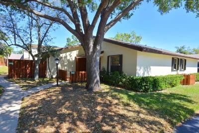 Hobe Sound Single Family Home For Sale: 7940 SE Villa Circle #2704
