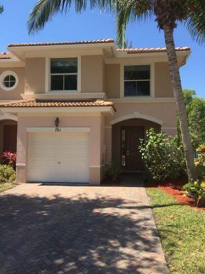 Lake Worth Townhouse For Sale: 701 Seminole Palms Drive