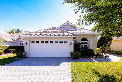 Port Saint Lucie Single Family Home For Sale: 566 SW New Castle Cove