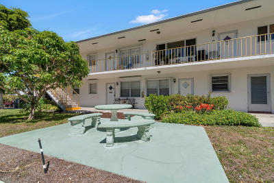 Lake Worth Condo For Sale: 222 Federal Highway #2