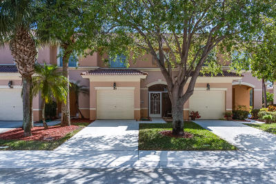 Royal Palm Beach Townhouse Contingent: 214 River Bluff Lane