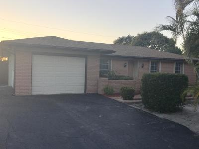 Jupiter Single Family Home Contingent: 19343 Gulfstream Drive