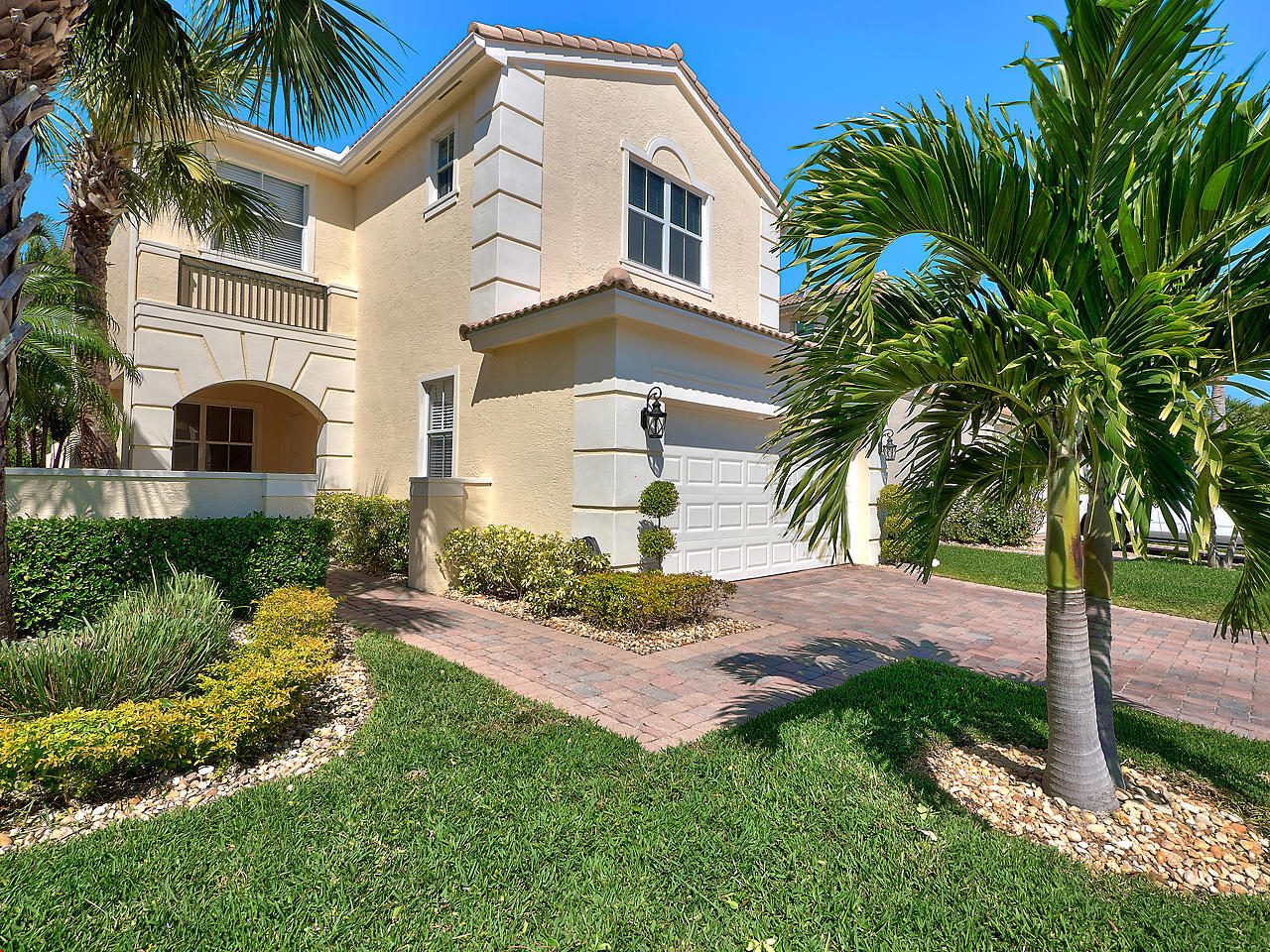 Listing: 203 Isle Verde Way, Palm Beach Gardens, FL.| MLS# RX ...