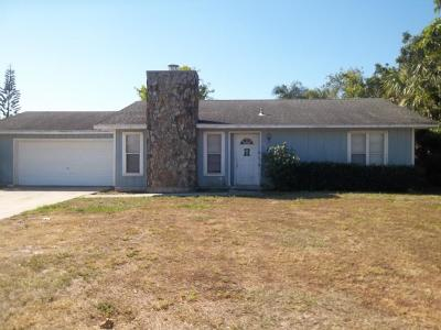 Port Saint Lucie Single Family Home For Sale: 358 SE Oakridge Drive