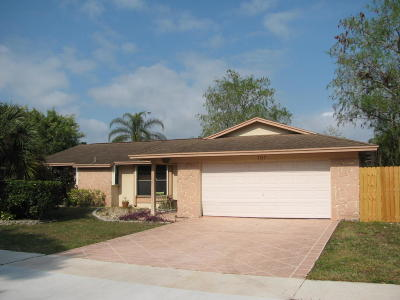 Royal Palm Beach Single Family Home For Sale: 107 Cambridge Lane