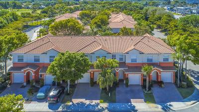 Delray Beach FL Townhouse For Sale: $285,000
