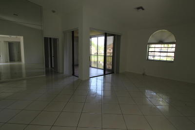 Boynton Beach Condo For Sale: 5451 Verona Drive #M