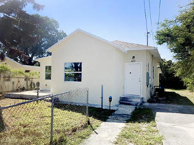 West Palm Beach Single Family Home For Sale: 3207 Pinewood Avenue