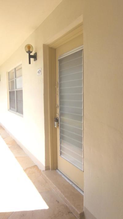 Delray Beach FL Condo For Sale: $49,000