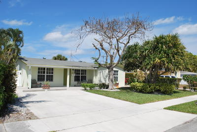 West Palm Beach Single Family Home For Sale: 515 Foresteria Drive