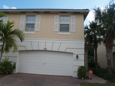 Palm Beach Gardens Townhouse For Sale: 4498 Thornwood Circle