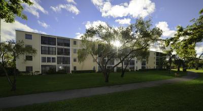 Delray Beach Rental For Rent: 6935 Huntington Lane #305