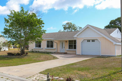 Port Saint Lucie Single Family Home For Sale: 1913 SE Redwing Circle