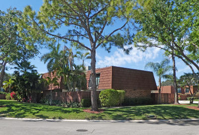 Delray Beach FL Townhouse For Sale: $189,900