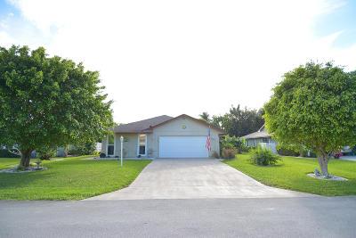 Hobe Sound Single Family Home For Sale: 7916 SE Trenton Avenue