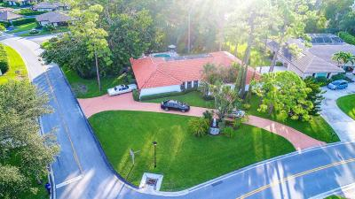 Atlantis Single Family Home For Sale: 542 S Country Club Drive