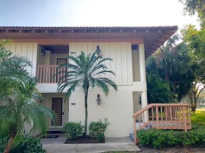 Palm Beach Gardens Condo For Sale: 165 Bracken Wood Road
