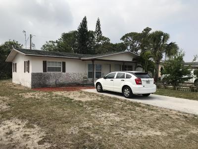 Fort Pierce Multi Family Home For Sale: 705 Skylark