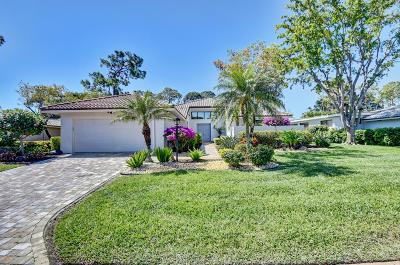 Boynton Beach Single Family Home For Sale: 12 Northwoods Lane