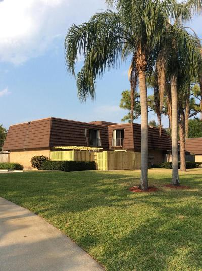 Palm Beach Gardens FL Townhouse For Sale: $230,000