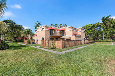 Boca Raton Townhouse For Sale: 8206 Severn Drive #C