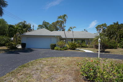 Tequesta Single Family Home For Sale: 262 Tequesta Circle