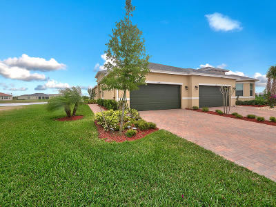 Port Saint Lucie Single Family Home For Sale: 11255 SW Parkside Drive