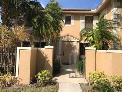 Palm Beach Gardens Townhouse For Sale: 352 Prestwick Circle #3