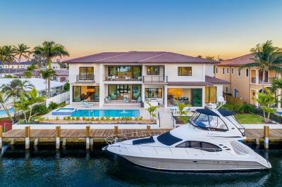 Lighthouse Point Single Family Home For Sale: 2431 NE 32 Court