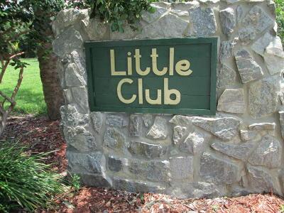 Tequesta Condo Contingent: 18081 SE Country Club Drive #301