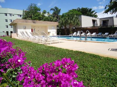 West Palm Beach Condo Sold: 1638 Embassy Drive #110