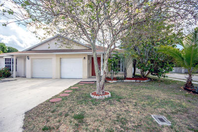 Boynton Beach Single Family Home For Sale: 10363 Boynton Place Circle