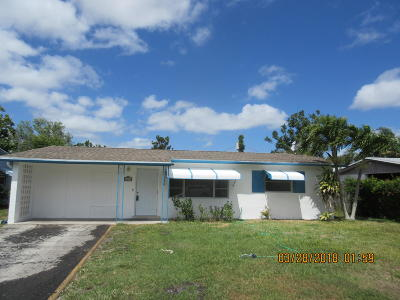 Stuart Single Family Home Contingent: 2399 SE Madison Street