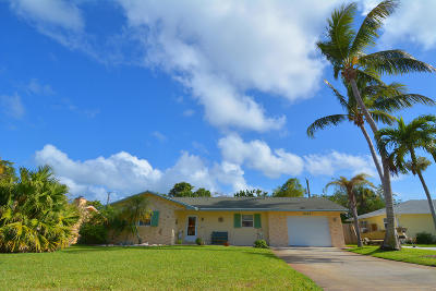 Hobe Sound Single Family Home For Sale: 8142 SE Helen Terrace