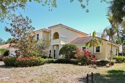 Tequesta Single Family Home For Sale: 165 Magnolia Way