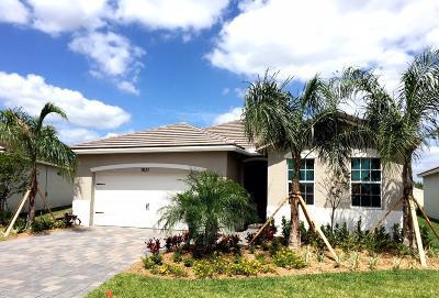 Stuart Single Family Home For Sale: 7631 SW Harbor Cove Drive